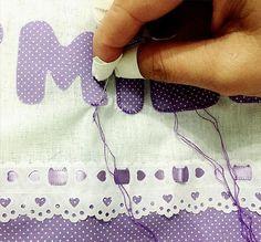 Capacetinhos para os dedos...porque por aqui tudo é bordado à mão...pontinho por pontinho! #madewithlove #patchwork #patchaplique #handmade #embroiderylove