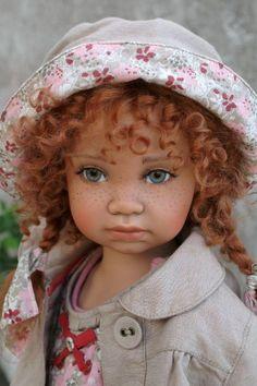 poupée réaliste, charmante poupée réalistique