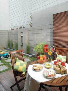 konsep ruang makan semi terbuka outdoor modern 008