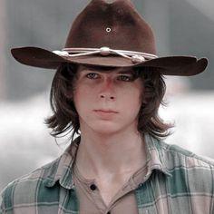 Carl Grimes, Carl The Walking Dead, Riggs Chandler, Cute Actors, Two Girls, Luke Hemmings, Most Beautiful Man, Harley Quinn, Funny Photos