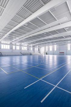 Gallery of Gym Enoseis / ENO Architectes - 8