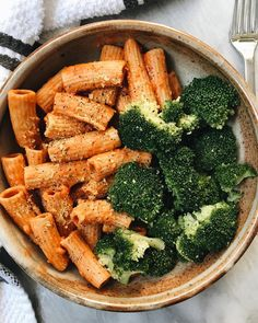 Vegan vodka sauce = a real beauty. rigatoni mit dem Jar Goods … Vegan vodka sauce = a real beauty. rigatoni with the Jar Goods vegan v … – - Rigatoni, Healthy Snacks, Healthy Eating, Healthy Dinner Recipes, Food Goals, Aesthetic Food, Food Cravings, Food Inspiration, Love Food