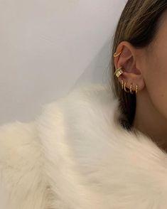 Check Out Perfect Jewelry Pieces Strategies. Ear Jewelry, Dainty Jewelry, Cute Jewelry, Gold Jewelry, Jewelry Accessories, Women Jewelry, Jewlery, Fashion Jewelry, Accesorios Casual