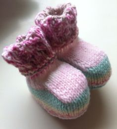 Knit Lace Top Bootees in Sirdar Snuggly Crofter 0-3mths