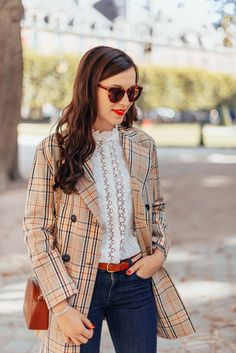 Porter des couleurs d'automne — Mode and The City Daniel Wellington, French Girl Style, Inspiration Mode, Girl Fashion, Womens Fashion, Autumn Winter Fashion, Winter Style, Business Casual, Classic Style