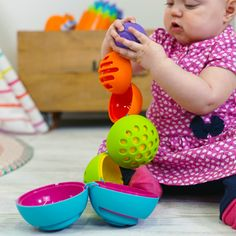OombeeBall and thousands more of the very best toys at Fat Brain Toys. 2020 Specialty Toy of the Year Finalist! Each colorful ball is uniquely textured with fascinating dots, lines, and swirls. Meanwhile, short, safe tethers k. Best Baby Toys, Best Kids Toys, Best Toddler Toys, Baby Shower Gifts, Baby Gifts, Old Fat, Toys For 1 Year Old, Baby Fat, Toddler Development