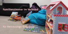Wohin mit dem Kind, wenn kurzfristig die Betreuung ausfällt? VERBUND stellt Eltern ein eigenes Familienzimmer, ein Büro mit Kinderausstattung, zur Verfügung.