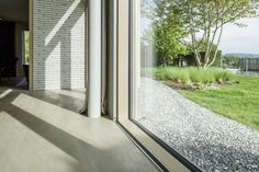 Descender Windows - Bespoke solution that change the notion of in- and outside in architectural design in a way you have never seen before. Just by pressing a button see facades drop effortlessly away transforming living an commercial spaces in an exclusive way