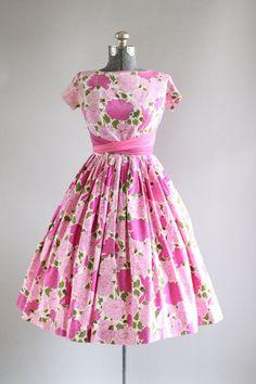 Vintage 1950s Dress / 50s Cotton Dress / Pink Floral Print Dress w/ Two Tone Waist Tie XS/S
