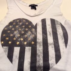 Forever 21 Muscle Star Heart Tank Forever 21 Graphic Star Heart Muscle Tee Size Large Big and baggy on the sides Gold stars are all intact Forever 21 Tops Muscle Tees