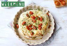 """""""Wat zullen we eten vandaag?"""", is de vraag die toch bijna iedere dag weer oprijst. We delen daarom ook deze week weer een weekmenu, boordevol lekkere en simpele recepten, om je van de nodige inspiratie te voorzien. Wat dacht je bijvoorbeeld van pasta met pompoenof hutspot uit de oven? Maandag – Rode kool soep met...Lees Meer »"""