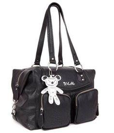 Pour être une maman qui déchire avec ce sac à langer noir Il Tutto  #sacalangernoir  #gaspardetzoe
