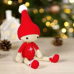 Free amigurumi christmas elf doll pattern