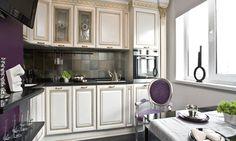 Imagen de http://0.lushome.com/wp-content/uploads/2011/06/modern-kitchen-design-classic-style-purple-paint.gif.