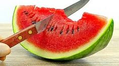 How To Cut Watermelon Like A Pro Margarita Punch, Strawberry Margarita, Appetizer Dishes, Appetizers, Food Pictures, Food Pics, Watermelon Slices, Like A Pro, Chocolate Covered Strawberries
