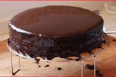 Best Ideas for chocolate fondue microwave Chocolate Pudding Desserts, Chocolate Cake Frosting, Best Chocolate Cake, Chocolate Cheesecake, Chocolate Coffee, Vegan Chocolate, Chocolate Desserts, Chocolate Chip Cookies, Chocolate Fondue