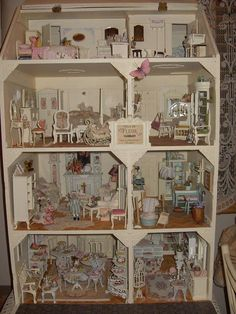 Shabby chic house by Linda's Miniature Musings