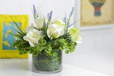 Como fazer um arranjo de flores artificiais - How to make a flower arrangement