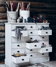 I really could use one of these, at least 2.5 ft high, very cool and practical storage drawers!