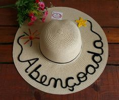 7bb279a831dc7 60 melhores imagens de Chapéu de praia personalizado feitos por mim ...