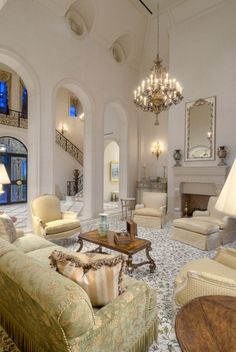 Traditional Mediterranean mediterranean-living-room