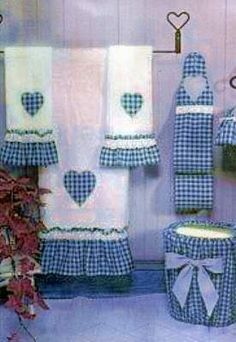 This set is so country & it reminds me of the early ❤️ it! Guest Towels, Hand Towels, Tea Towels, Sewing Crafts, Sewing Projects, Bathroom Crafts, Towel Crafts, Decorative Towels, Embroidery Designs