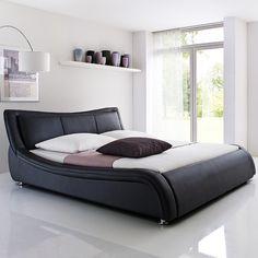 Cikkszám: C553-10-5000 A SOMA kárpitozott ágy kiváló minőségű anyagokból készült, ezáltal biztosított, hogy hosszú éveken át gyönyörködhetsz majd pazar megjelenésében. Rendkívül kényelemes, több méretben és színben rendelhető. Dobja fel hálószobáját és teremtsen stílusos és kényelmes környezetet!