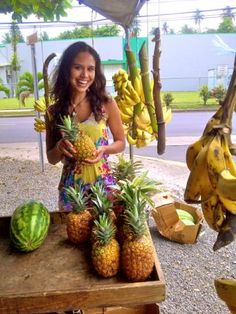 At the local farmer's market in western Puerto Rico. Been eating a ton of pineapple! The bromelain enzyme it contains has detoxifying properties.