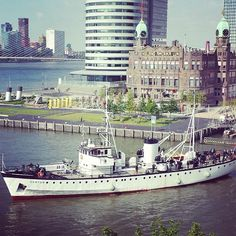 Hotel New York, Rotterdam, Maas, Wilhelminapier. Photo: @olga_tuutikki