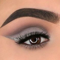 Beautiful eye make-up for day and evening - beauty - . - 57 beautiful eye make-up for day and evening – beauty – make up Beautiful eye make-up for day and evening - beauty - . - 57 beautiful eye make-up for day and evening – beauty – make up - Silver Eye Makeup, White Makeup, Grey Eye Makeup, Makeup For Silver Dress, Black Smokey Eye Makeup, Dramatic Makeup, White Eyeshadow, Eyeshadow Makeup, Pastel Eyeshadow