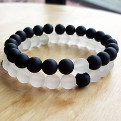 Details: 8mm matte Onyx, matte quartz To see more 7 chakra bracelets: https://www.etsy.com/shop/OrientAppeal?ref=hdr_shop_menu§ion_id=19115934 Please click in the following link to see more gemstone bracelets: https://www.etsy.com/shop/OrientAppeal?ref=hdr_shop_menu Pick you size