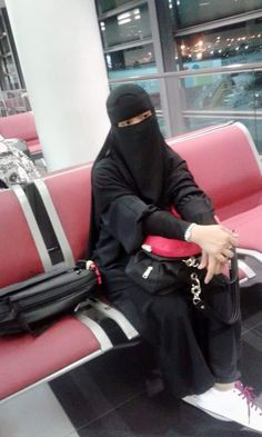 A collection of veiled beauties Niqab Fashion, Modern Hijab Fashion, Muslim Women Fashion, Beautiful Muslim Women, Beautiful Hijab, Hijabi Girl, Girl Hijab, Islamic Girl Images, Arab Girls Hijab