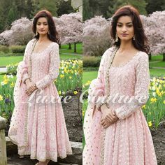 🌸🌸🌸🌸 Had to take advantage of beautiful cherry blossom 🎀  #luxiecouture #indianfashion #indianstreetfashion #lenghacholi #lehenga #punjabibride #indianwedding #ladiessangeet #indianbride #anarkali #dupatta #lengha #wedmegood #indiancouture #salwarkameez #indiandress #indianstyle #saree #sari #dressyourface #mumbai #sikhwedding #vancouver #desibeautyblog #punjabisuit #indiandesigner #indianoutfit #punjabiwedding #indianwear