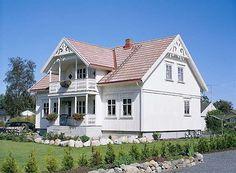 Bilderesultat for vindu sveitservilla Exterior, Mansions, House Styles, Home Decor, Decoration Home, Room Decor, Villas, Interior Design, Home Interiors