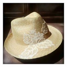 Hat by MADEMOISELLE SLASSI (Paris)