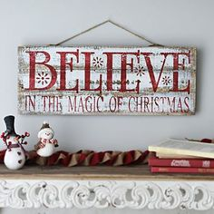 Deck your walls with festive Christmas wall decor from Kirkland's! Celebrate the season with our Christmas signs, plaques, and other Christmas wall decorations. Christmas Wooden Signs, Christmas Wood Crafts, Holiday Signs, Rustic Christmas, Christmas Projects, Holiday Crafts, Christmas Holidays, Kirklands Christmas, Pallet Christmas