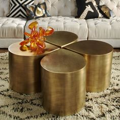 Side Piece.Ideal for glam urbanites. A bold gesture with a bite-sized footprint, the Brass Teardrop Table is perfect for apartment living. Use one alone as