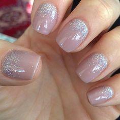 Manicure for short nails 2 Manucure pour les ongles courts 2 - Nail Designs Cute Nails, Pretty Nails, My Nails, Shellac Nails Glitter, Nails 2017, Nude Nails With Glitter, Sparkle Nails, Blue Glitter, Nail Gel
