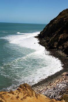 A surfers secret - Rolling Stones Mahia Peninsula, NZ Natural Salt, Beach Trip, Beach Travel, South Island, Small Island, Surfers, Fiji, Places To See, Travel Destinations