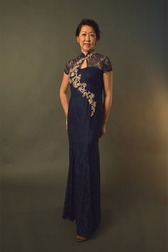 Zion Creation Couturier is an independent Boutique & manufacturer of Modern Cheongsam / Qipao, Mother's Gown, Gowns for Plus-size, cocktail Dresses. Plus Size Evening Gown, Plus Size Gowns, Evening Gowns, Mother Of Bride Outfits, Mom Outfits, Grandma Dress, Cheongsam Modern, Chinese Gown, Cheongsam Dress