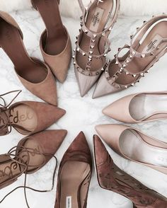 10 Best Nude Pumps The Nude Pump: a shy younger sister to the equally essential black pump… does everything a little quieter and better, but without needing to be constantly noticed. Check out our Top 10 Nude pumps now! Nude Shoes, Nude Pumps, Black Pumps, Shoes Heels, Vans Shoes, Trendy Shoes, Mode Inspiration, Me Too Shoes, Fashion Shoes