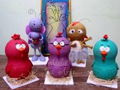 Lindas peças modelas em biscuit para locação em SP capital, da turma da galinha pintadinha.