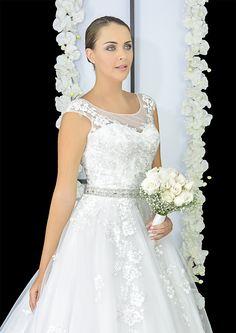 Elena Reynoso • Un vestido hermoso y elegante.