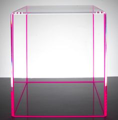Acrylic or Plexiglass has become en efficient material used in furniture design and its transparency is its biggest quality.The possibilities are endless and Alexandra von Furstenberg experiments with her Acrylic Furniture Design. Acrylic Furniture, Furniture Decor, Modern Furniture, Furniture Design, Lucite Furniture, Lucite Coffee Tables, Lucite Table, Plexiglas Led, Acrylic Side Table
