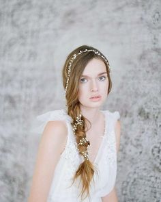 This is sheer beauty. We love the idea of styling a simple plait with this long beaded hair vine by @myracallan, either as a wrap-around or woven throughout. The vine is adorned with tiny beaded flowers, tiny Swarovski crystals and freshwater pearls. So beautiful.