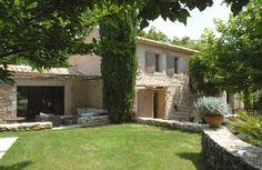 Saignon, Mas de vacances avec 5 chambres pour 8 personnes. Réservez la location 1306880 avec Abritel. Provence -Luberon joli mas ancien avec piscine