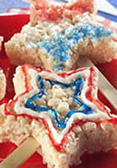 Sparklin' Marshmallow RICE KRISPIES® TREATS™ — Ready in just 15 minutes, kids love making and eating these yummy cereal treats! This dessert recipe is the perfect way to celebrate the 4th of July holiday.