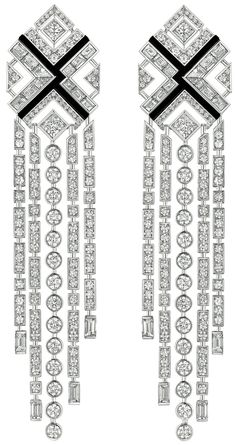 18K White Gold Set with 240 Brilliant Cut Diamonds (9 cts), 32 Baguette Cut diamonds (5.9 cts), 4 Princess Cut diamonds (1.6 cts) and carved Onyx