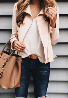 Stunning Women Casual Outfit Ideas For Spring 34