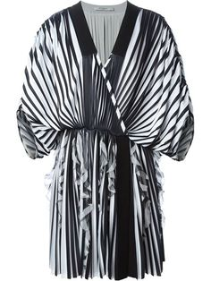 Shop Givenchy pleated kimono dress in D'Aniello from the world's best independent boutiques at farfetch.com. Over 1500 brands from 300 boutiques in one website.